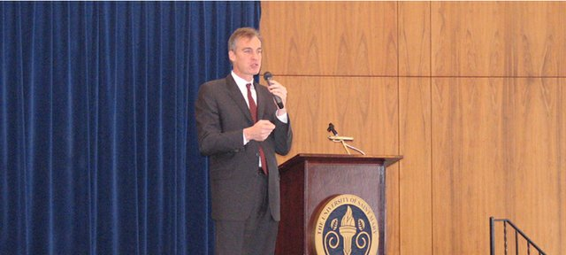 Lt. Gov. Mark Parkinson speaks to the 2007 annual meeting of the Leavenworth County Development Corp.