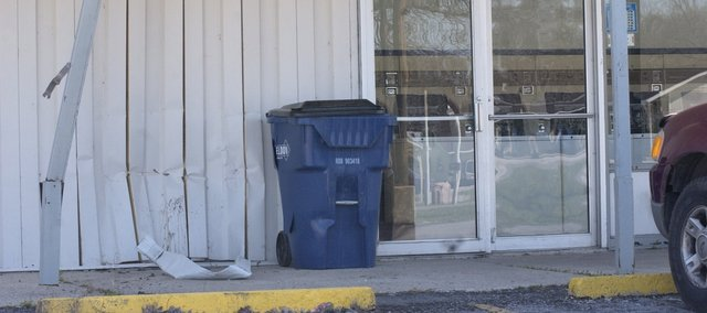 A call Saturday reporting a truck battering the De Soto Laundromat on Lexington Avenue to the Johnson County Sheriff's Office alerted deputies to the driver's erratic behavior. The incident ended when the driver died after his truck left 83rd Street in eastern De Soto.