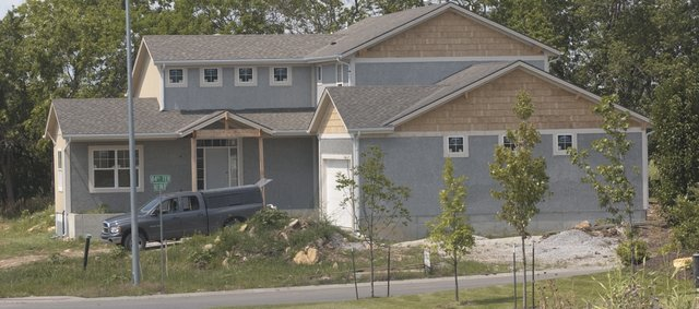De Soto saw only 20 new single-family home starts from July 1, 2006, to June 20, 2008, but the U.S. Census Bureau estimates the city had 118 new residents in the first 12 months of that period.