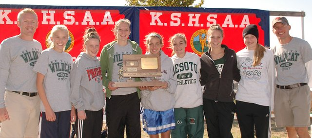 The De Soto girls 2007 cross country team finished second in the state in 2007. It returns all but one runner a year later.