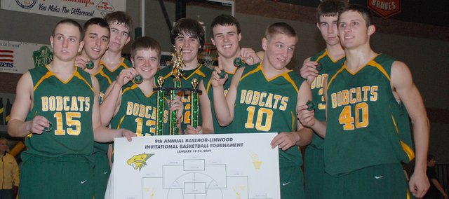 The Basehor-Linwood boys basketball team won its second straight Bobcat Invitational championship on Saturday.