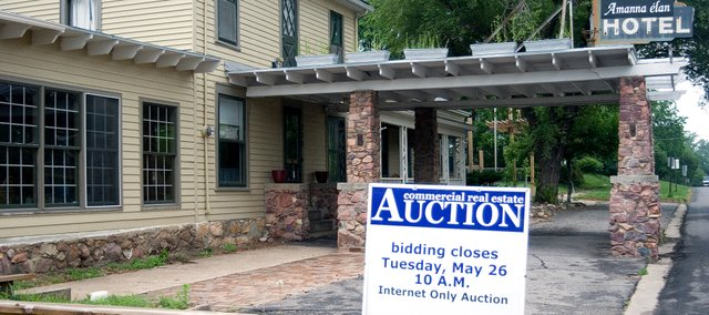 The Amanna elan hotel was sold yesterday at auction for nearly $150,000.