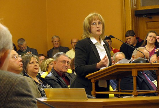 State Sen. Mary Pilcher Cook speaks in January 2010 to the Senate Judiciary Committee on Senate Concurrent Resolution 1615, which urges the federal government to recognize state's rights. The hearing room was packed, and numerous people had to stand in the hallway.