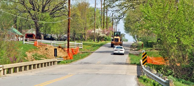 At a special meeting Monday, the Tonganoxie City Council reversed a decision of a week earlier and voted 3-2 to include 4th Street improvement project in a 2010 capital improvement bond issue.