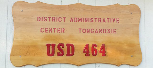 Tonganoxie USD 464 central office.