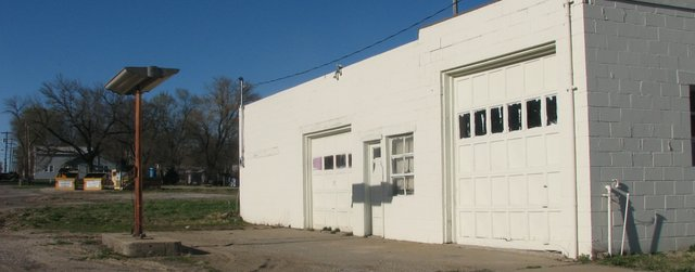 The owner of an old service station building on 155th Street hopes to sell the property to a prospective business operator, but city zoning regulations are serving as an obstacle.