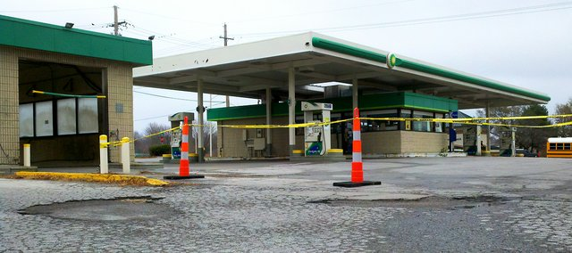 The BP station at Shawnee Mission Parkway and Pflumm Road is closed. The Planning Commission has approved plans to raze the building and construct a new gas station and convenience store in its place.