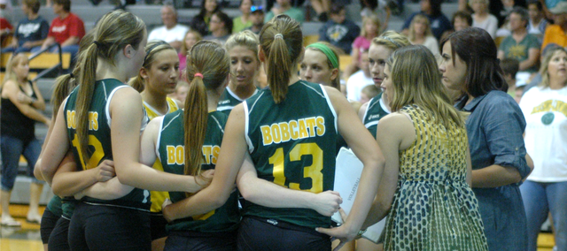 The Basehor-Linwood volleyball team defeated Tonganoxie Tuesday in straight sets.