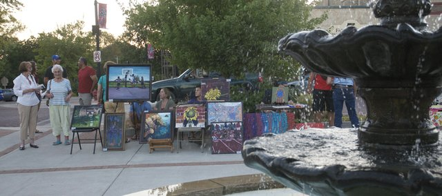 The year's last downtown Art Walk will start at 6 p.m. Friday.