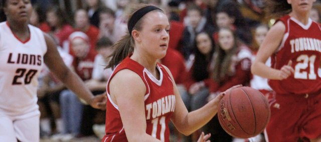 Emily Soetaert had a game-high 15 points, but Tonganoxie struggled in a 62-43 loss at Lansing.