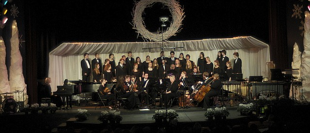 Baker University will present to performances Sund of its traditional Candlelight Vespers.