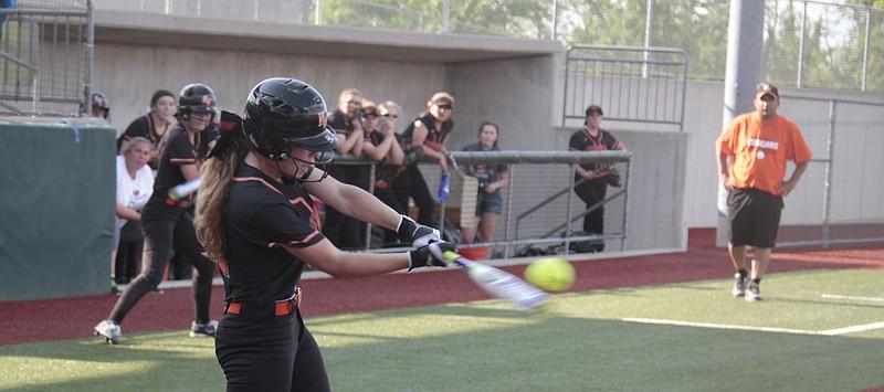 SMNW softball seniors shine in doubleheader sweep of SM ...