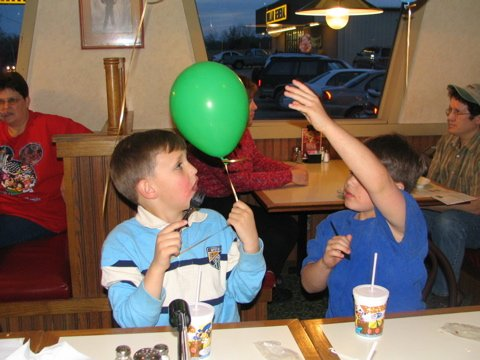 Brooke And Taylor Mortsolfs Th Birthday Party At Pizza Hut - Childrens birthday parties pizza hut