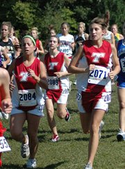 Shelby Maxon, Jessica Somers and Nikki Beggs run in a pack at the Rim Rock Farm Classic on Saturday.