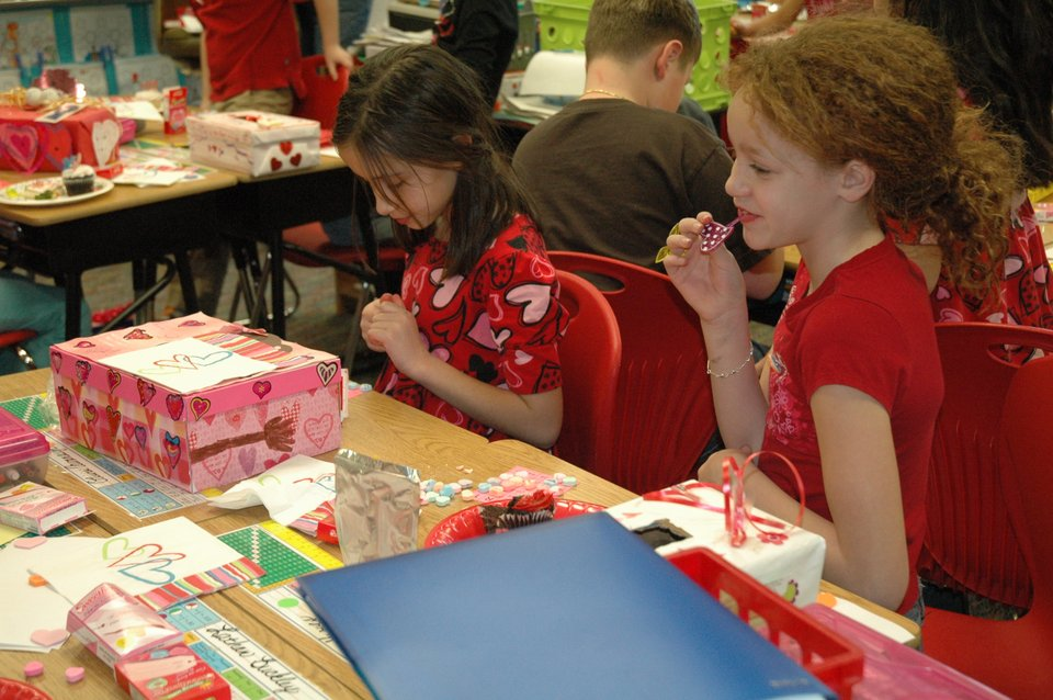Valentineu0027s Day Parties At Bonner Springs Elementary School. Photo Thumbnail