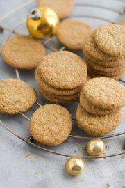 Fennel Cornmeal Wafers