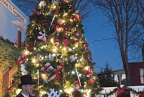 Tonganoxie Mayor's Christmas Tree Lighting 2016