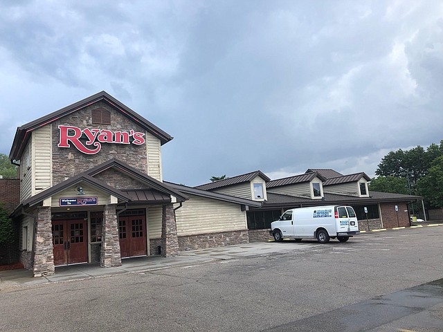 Ryan's Buffet, a local favorite for many years, closed abruptly this past weekend to accommodate the end of their lease.